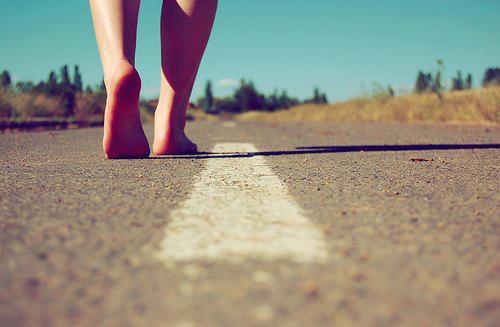 Para encontrar la felicidad primero hemos de preguntarnos quienes somos y cómo hemos llegado hasta aquí