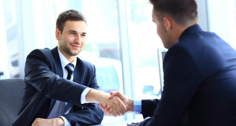 Se basan en que que se requiere la inversión de capital y de trabajo para obtener ganancias y estas han de ser compartidas.