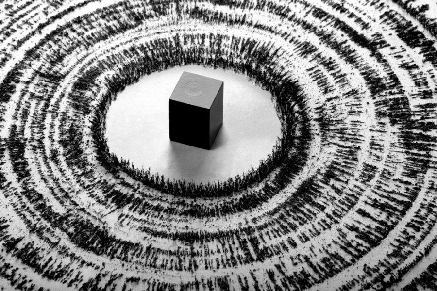 El Haŷŷ es la demostración de esa realidad que afirma que en el Islam todos los caminos llevan a la Casa de Allah y donde la nacionalidad, raza y diferencias de doctrina desaparecen por completo.