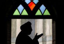 Imam an-Nawawi nos habla sobre la obligación de ayunar en Ramadán y sus beneficios mencionando solo el Corán y los Hadiz como forma de animarnos y alentarnos a ello