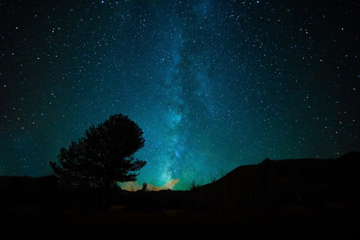Una de las razones de la Noche del Decreto es que el fue dada al Profeta para que su Ummah pudiese aumentar las buenas acciones de su corta vida en esta noche